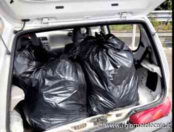 Nola, sorpreso mentre scarica sacchi neri pieni di spazzatura: multato - ilgiornalelocale