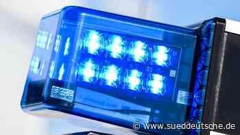 Flucht vor der Polizei endet an Autobahnauffahrt - Süddeutsche Zeitung
