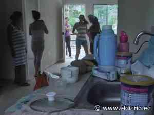 Varias familias ocupan once casas de el Guabito - eldiario.ec