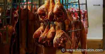 """Selon la Confédération paysanne, les abattoirs industriels sont """"incompatibles"""" avec les mesures sanitaires"""