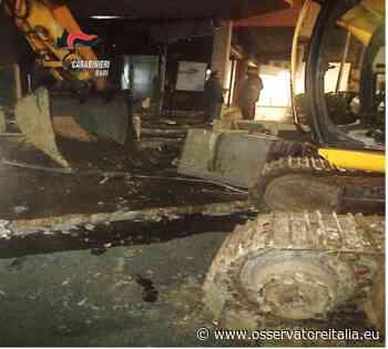 Santeramo in Colle, tentano di rubare il bancomat con un escavatore: è caccia ai rapinatori - L'Osservatore d'Italia