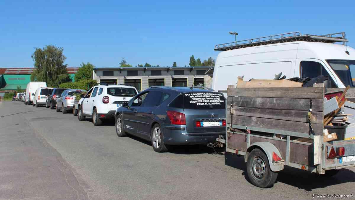 Lillers et Isbergues: plusieurs centaines de mètres d'attente pour la réouverture des déchetteries - La Voix du Nord