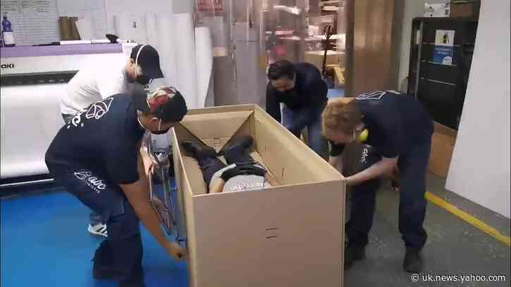 Colombian Company Creates Hospital Bed Doubling as Coffin Amid COVID-19 Pandemic
