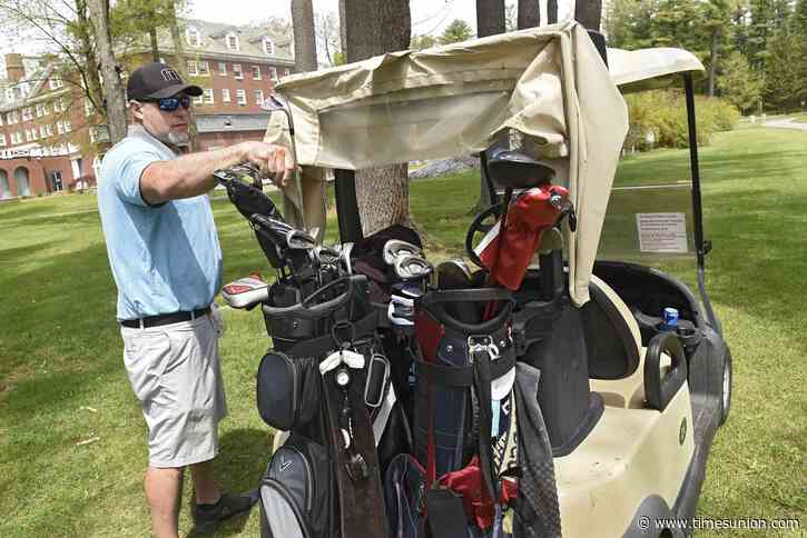 Golf column: Courses acted responsibly when it came to restrictions