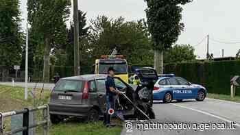 Conselve, donna di 77 anni si schianta in auto contro un platano e muore - Il Mattino di Padova