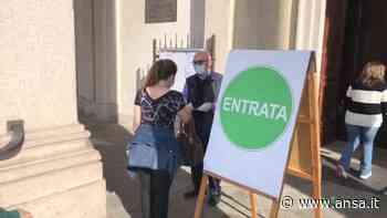 Prima messa a Gorgonzola: mascherine e gel anche per il prete - Italia - Agenzia ANSA