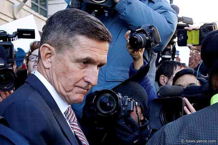 Ex-Trump aide Flynn, who admitted lying to FBI, asks appeals court to toss charges