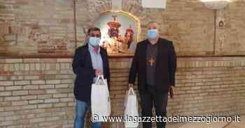 San Giovanni Rotondo, «Gargano Vita» consegna mascherine per i fedeli che tornano in chiesa - La Gazzetta del Mezzogiorno