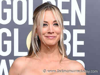 Kaley Cuoco gives interview in bathrobe - Fort McMurray Today