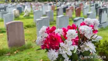 Casualty of COVID-19: Flowers at the Fort Frances, Ont., cemetery - CBC.ca