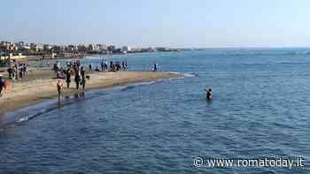 Spiagge: distanze, steward, sport e servizio bar all'ombrellone. Le regole nell'ordinanza della Regione