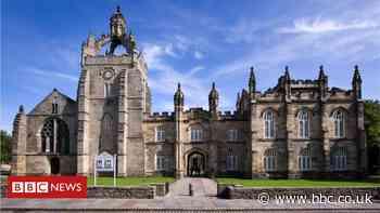 Coronavirus: Universities consider delay to new academic year
