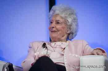 Annie Glenn, widow of 1st American astronaut in orbit John Glenn, dies at 100