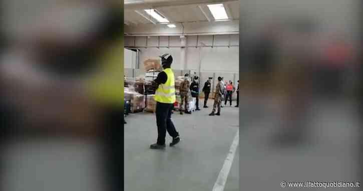 """Milano, operai della Brt di Sedriano in sciopero. I sindacati denunciano: """"Militari intervenuti contro i lavoratori durante assemblea"""""""