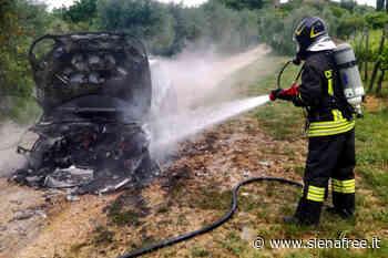 Poggibonsi, autovettura distrutta dalle fiamme - SienaFree.it