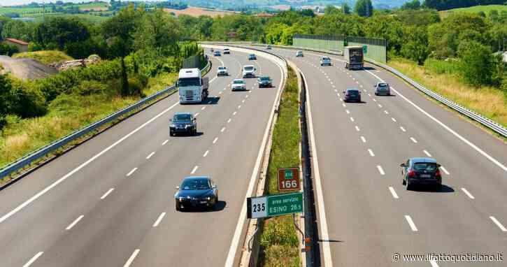 Autostrade chiede oltre 1,2 miliardi di garanzie statali. E dopo i 6 miliardi di Fca anche Eataly, Autogrill, Ovs e Fincantieri verso la domanda