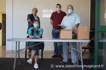 Grandvilliers : La distribution de masques se poursuit - Le Bonhomme Picard