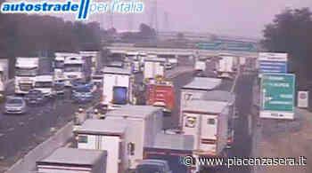Scontro tra mezzi pesanti in A1 a Fidenza, lunghe code - piacenzasera.it