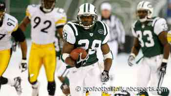 In 2004, Curtis Martin played through knee injury to lead league in rushing