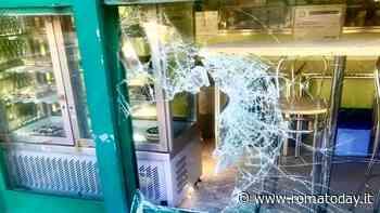Ladri golosi a Colli Aniene: sfondano vetrina della gelateria e scappano con il fondo cassa