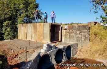 Obras seguem em ponte na Estrada Velha de Brotas - Cidade Azul Notícias