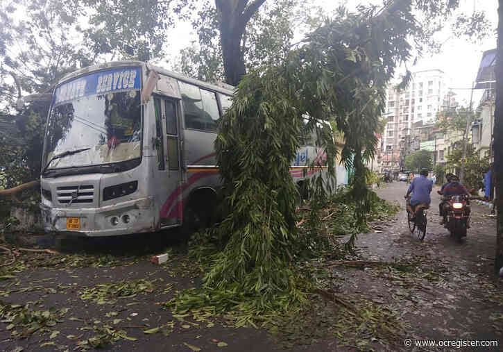 Death and destruction after cyclone hits India, Bangladesh