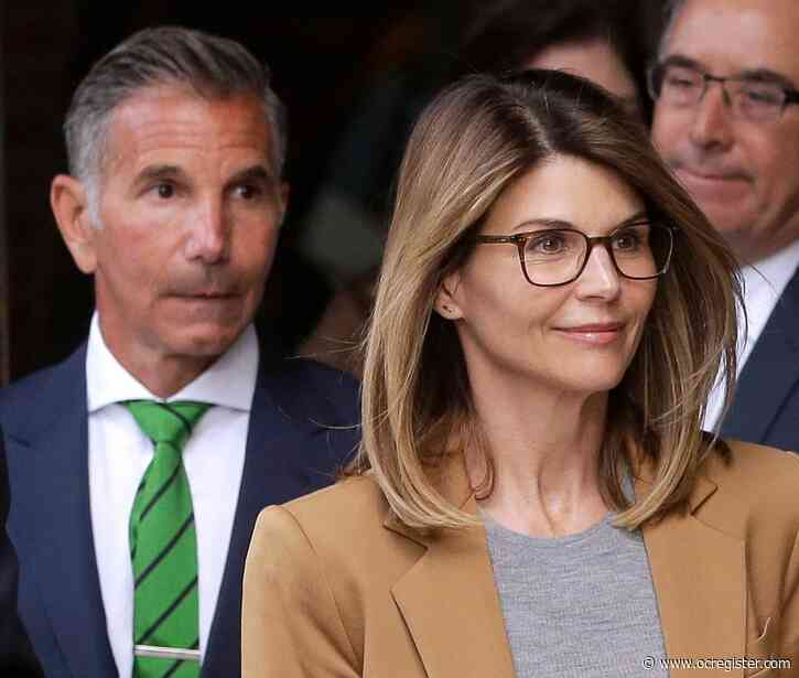 Lori Loughlin and Mossimo Giannulli will plead guilty in college admissions bribery case