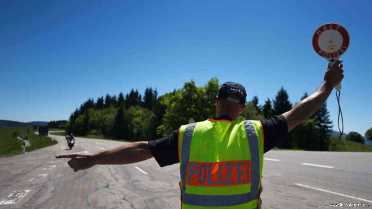 Taufkirchen: Polizei kontrolliert Geschwindigkeit auf der Staatsstraße 2360 bei Lanzing | Polizeimeldungen - innsalzach24.de