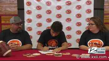 Muenster duo signs to play at the next level - KXII-TV