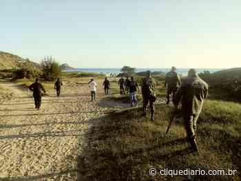 Grupo que soltava pipa na Praia Grande, em Arraial do Cabo, é retirado pela Guarda Municipal - Clique Diário