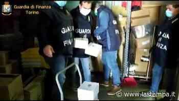 Orbassano, la Finanza sequestra gel e mascherine in un market cinese - La Stampa