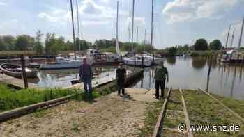 Lockerungen im Sport : Starke Leistung: Seglervereinigung Itzehoe bringt an drei Tagen 30 Boote in die Stör   shz.de - shz.de