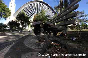 Diário dos Campos | Praça da catedral de Ponta Grossa passa por revitalização - Diário dos Campos