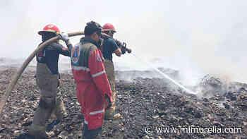 Sofocado en un 30 por ciento incendio en basurero de Uruapan: Segob - MiMorelia.com