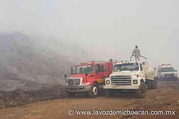 En llamas, más de la mitad del relleno sanitario de Uruapan; arriban más brigadistas - La Voz de Michoacán