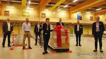 Start in Wustermark: Erste Palette hat dm Verteilzentrum verlassen - Märkische Onlinezeitung
