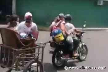 #VIDEO ¡Ingenio durante la crisis! Así trasladan a una paciente en Barinas por falta de gasolina #18May - El Impulso