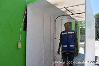 Instalan túneles sanitizantes en edificios públicos de Matehuala - Código San Luis