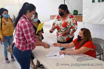Entregan en Matehuala becas Estímulos a la Educación - Código San Luis