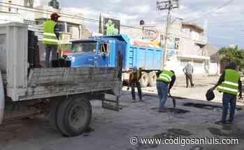 Arranca campaña de bacheo en calles de Matehuala - Código San Luis