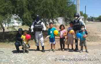Guardia Nacional y policías festejan a niños de Matehuala - Código San Luis
