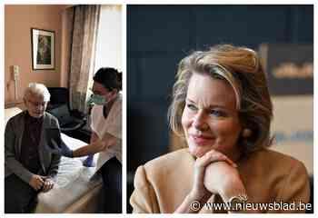 """Thuisverpleegkundige krijgt koningin Mathilde aan de lijn: """"Warme woorden van steun"""" - Het Nieuwsblad"""