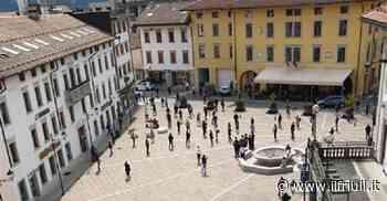 Tolmezzo, flash mob in piazza per la riapertura - Il Friuli