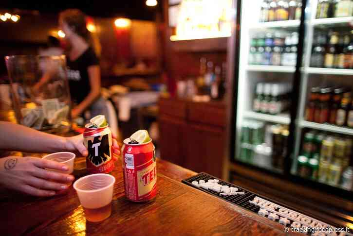Coronavirus in Texas: Bars, bowling alleys and other businesses can begin reopening Friday