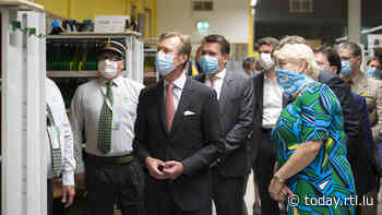 Picture gallery: Grand Duke visits Post sorting centre in Bettembourg - RTL Today