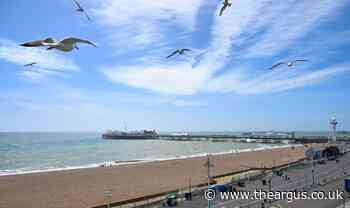 Coronavirus: Pictures show Brighton beach today