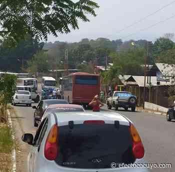 Trancan vías en Santa Teresa del Tuy por falta de agua - Efecto Cocuyo