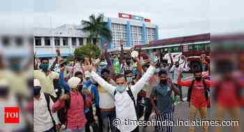 Over 3.15 lakh migrant workers return to Jharkhand, many more on way back home