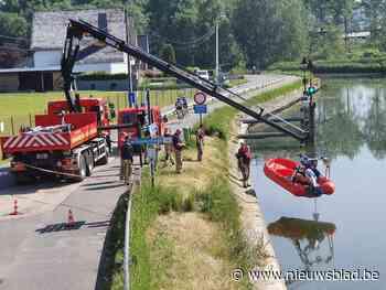 Brandweer haalt lammetjes uit het water (Geraardsbergen) - Het Nieuwsblad