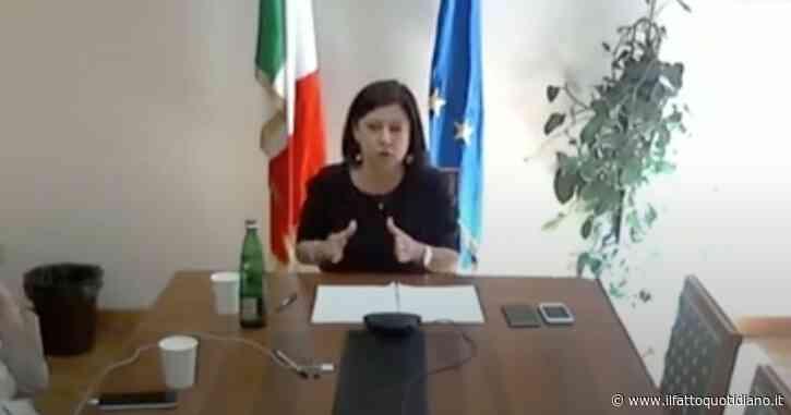 """Appalti e cantieri, ministra De Micheli: """"Opere bloccate non da burocrazia, ma per motivi politici o per azienda di progetti o finanziamenti"""""""